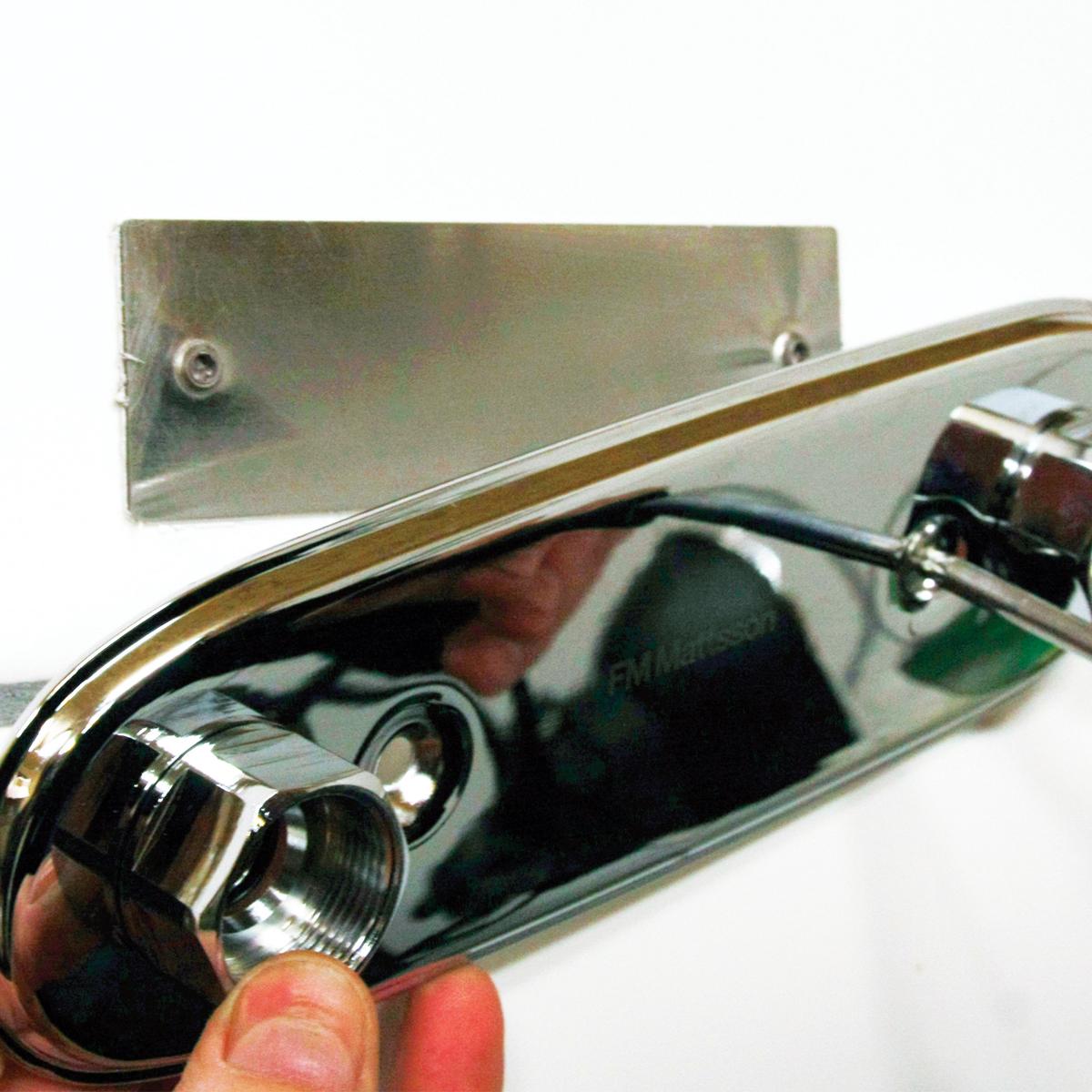 Montage/limbricka till blandarfäste 160cc (tunna fästen) – design4bath